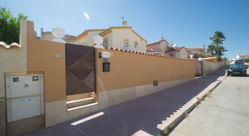 Дом в Кесаде в отличном состоянии с собственным бассейном. Стоимость 225.000€ REF - 51 - дом в Ciudad Quesada (Alicante)