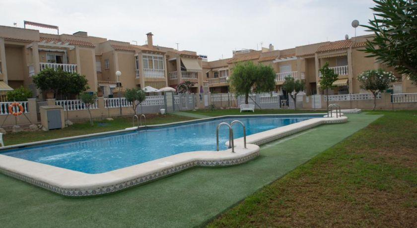Бунгало в ЖК Panorama II в Агуас Нуэвас с 2 спальнями. - бунгало в Torrevieja (Alicante)