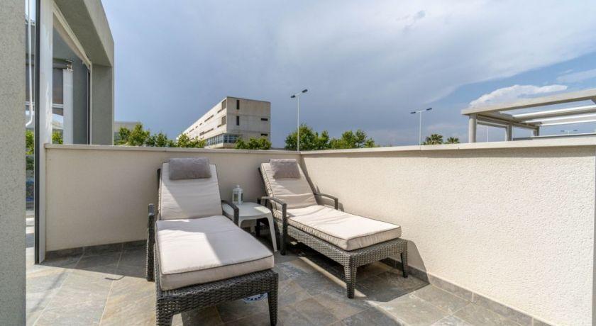прекрасный ДУПЛЕКС /QUAD /  ,в тихой спокойной урбанизации  АГУАС НУЕВАС  REF - EL 307   Precio 222.000€   - дом в Torrevieja (Alicante)