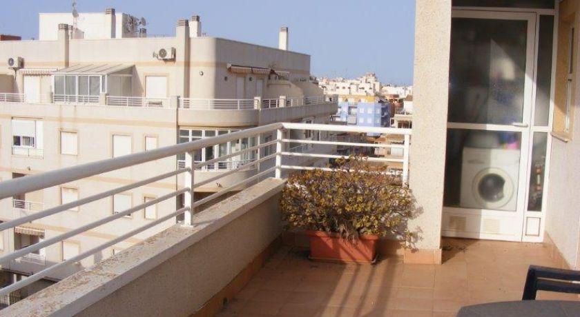 Солнечная квартира атико с 1 спальней и с огромной террасой ! Стоимость 53.500€ ! --- REF: 172 - квартира в Torrevieja (Alicante)